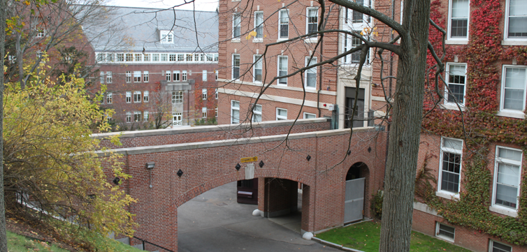 college-of-the-holy-cross-campus-feat