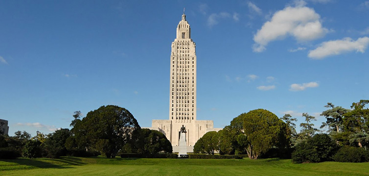 Louisiana-state-capitol-building-feat