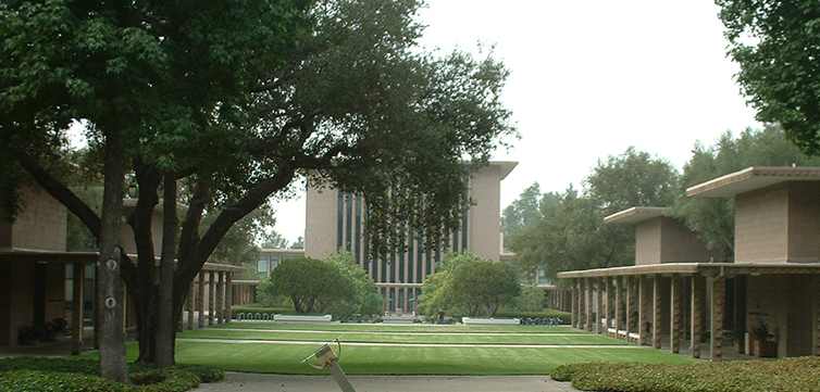 Claremont-University-Consortium-campus-feat