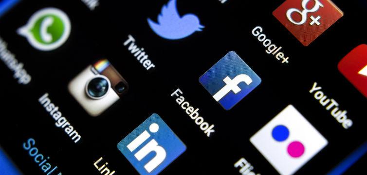 SocialMedia-feat