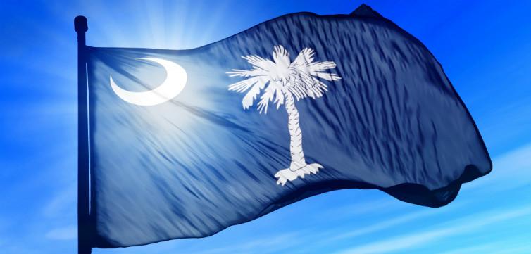 South-Carolina-Flag-feat