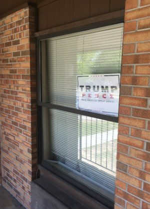 Photo either of how the University of South Alabama announced its belated endorsement of Trump, or a student's sign.