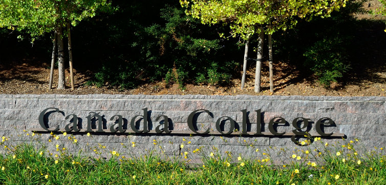 Cañada College Main Entrance CREDIT Hoodr Modified from original, CC-By-SA-3.0 feat