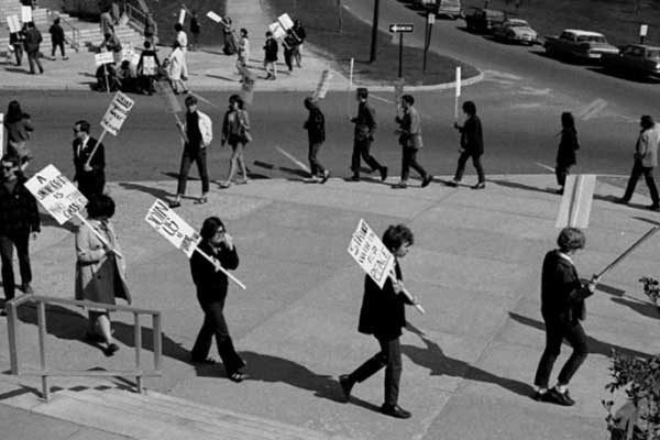 April 26 1968 Community Strike University of Connecticut students demonstrate against the Vietnam War – University of Connecticut Libraries Thomas J. Dodd Research Center